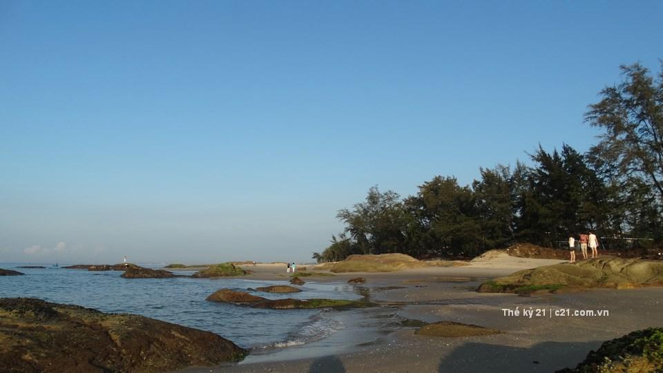 Khu du lịch 4 sao Mỏm Đá Chim - Lazi Beach Resort