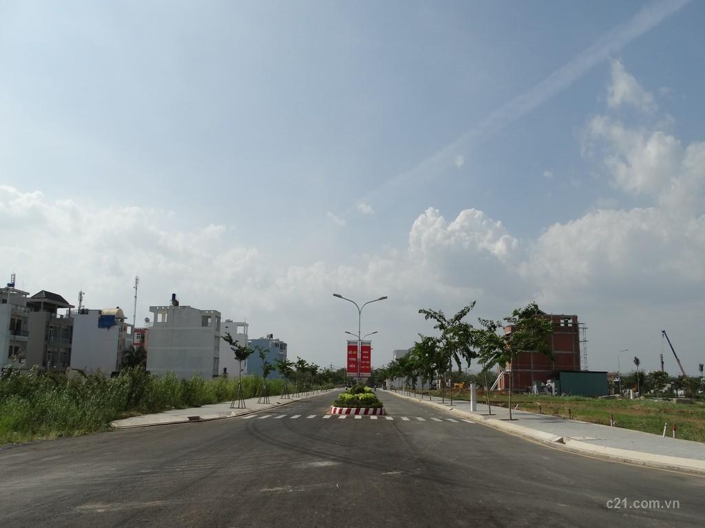 KDC cách đại lộ Nguyễn Văn Linh 300m - đường nhựa đã hoàn thiện cây xanh - đèn đường